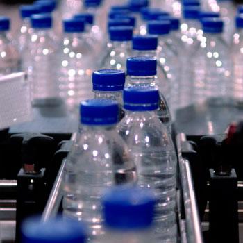 produzione-bottiglie-plastica
